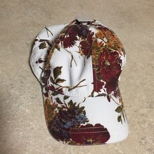 Time and tru winter floral hat OS
